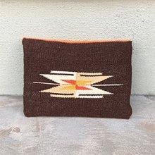 着用画像1: Trujillo's チマヨ クラッチバッグ ブラウン